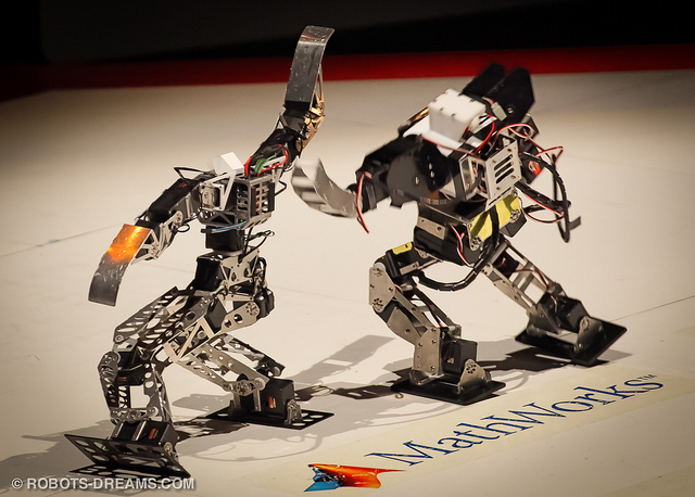 robot fighting